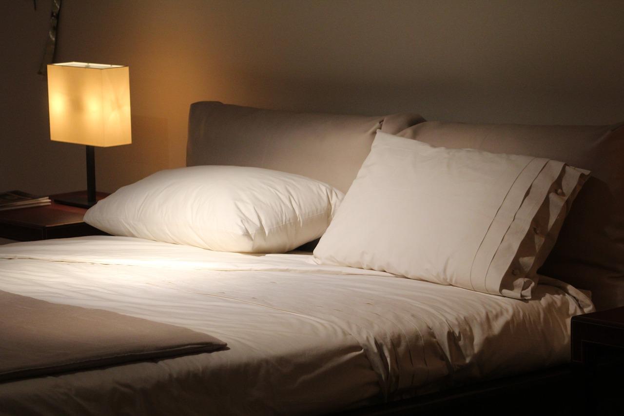 Kupowanie łóżka tapicerowanego
