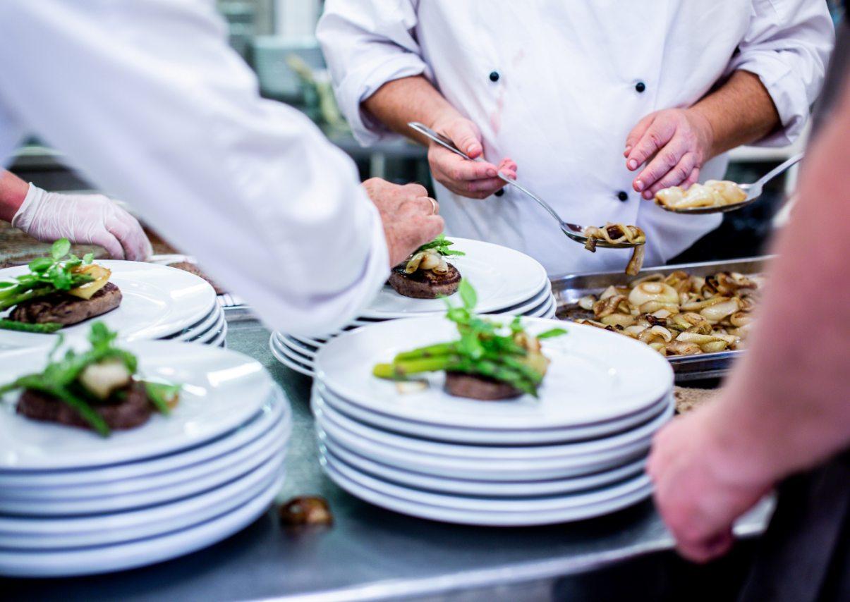 jedzenie na talerzach